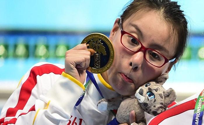 แจกความสดใสกับ Fu Yuanhui นักกีฬาขวัญใจชาวเน็ตคนใหม่ ทำไมใครๆ ก็รักเธอ
