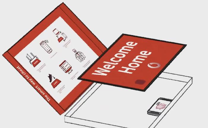 """Vodafone ผลิต """"เสื่อไฮเทค""""ช่วยชีวิตหนุ่มชอบแอบดูหนังโปรดก่อนแฟนสาว"""