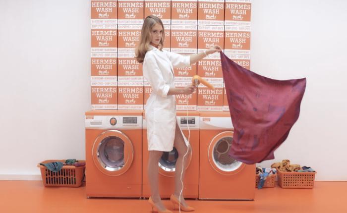 Hermès แบรนด์ไฮโซที่หันมาเปิด Pop up store ชวนลูกค้ามาซักผ้าพันคอที่ร้าน…ฟรี!