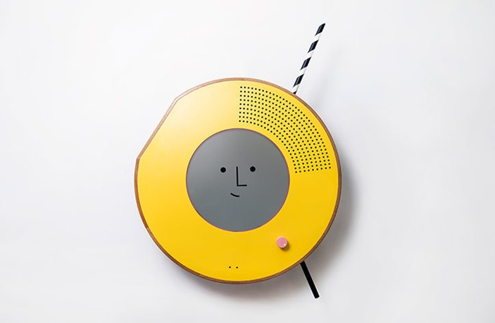solo-uniform-ai-radio_itsnicethat