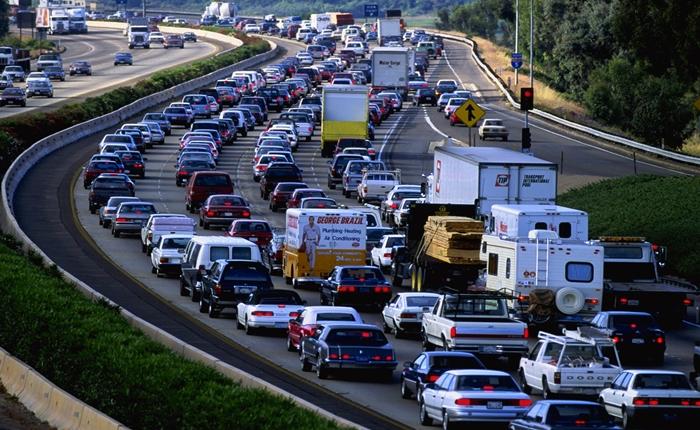 ผลวิจัยชี้รถยนต์ที่ใช้น้ำมันคันสุดท้ายจะถูกขายออกไปในปี 2035