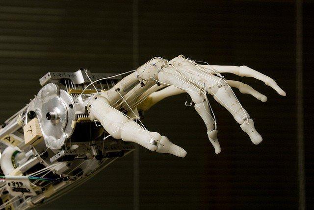 """""""มนุษย์ AI"""" มีโอกาสเกิดขึ้นจริงในอนาคต  ประเด็นเขย่าโลกจากบทสัมภาษณ์ Elon Musk ผู้ก่อตั้ง PayPal, Tesla และ SpaceX"""