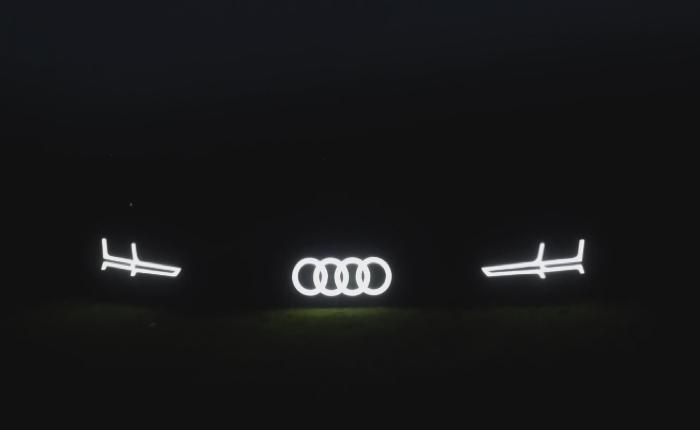 Audi ใช้ภูเขาทั้งลูกโชว์ความสตรองของการดีไซน์ไฟที่กระจังหน้ารถสุดโฉบเฉี่ยว