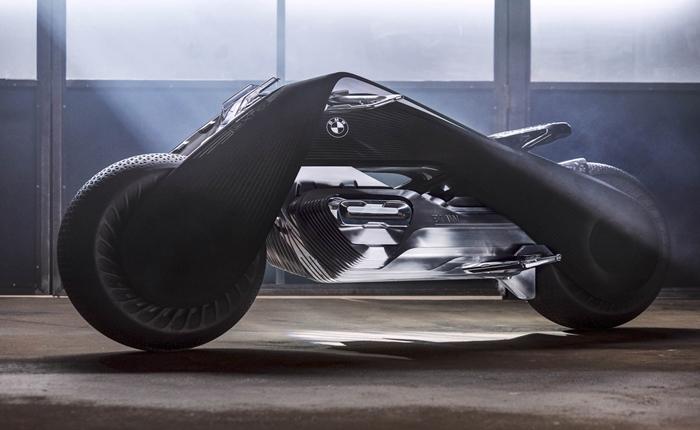 โคตรเจ๋งอะ!!! จับ AI มาใส่ในรถ 2 ล้อ…BMW เขาจัดมาเต็มเหนี่ยว