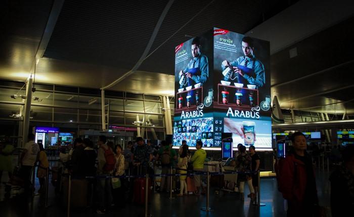 เปิดแล้ว Social Life Tower สื่อ LED Interactive แห่งแรกกลางสนามบินภูเก็ตและภาคพื้นเอเชีย