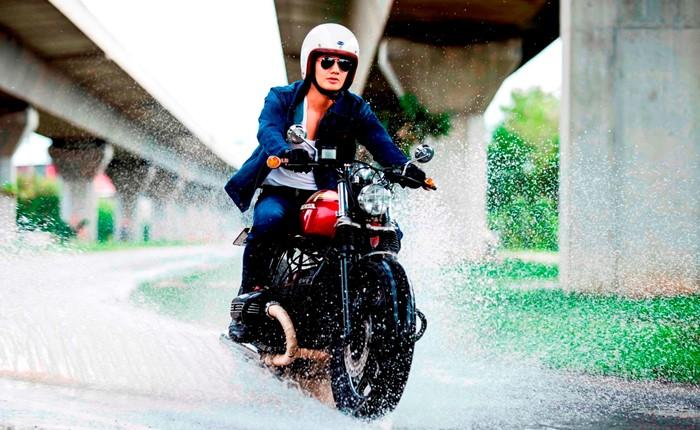"""""""แรงเลอร์"""" ท้าหนุ่มสาวยุคใหม่ #ลุยได้ไม่เปียก ไปกับนวัตกรรมยีนส์กันน้ำสุดเจ๋ง """"สเตย์ ดราย (Stay Dry)"""""""