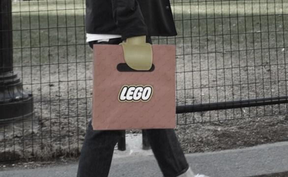 ชวนดูกระเป๋าดีไซน์กระเป๋าที่ได้แรงบันดาลใจจาก LEGO