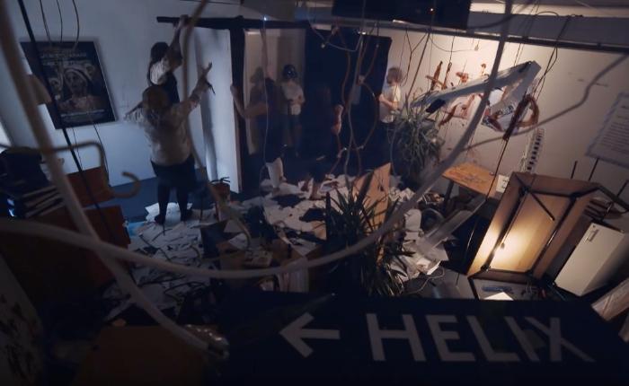 เก็บตกฮาโลวีน สวนสนุกใช้แว่น VR โปรโมทบ้านผีสิงที่สุดสมจริง เพราะเล่นจัดผีจริงมาหลอกนอกจอ!