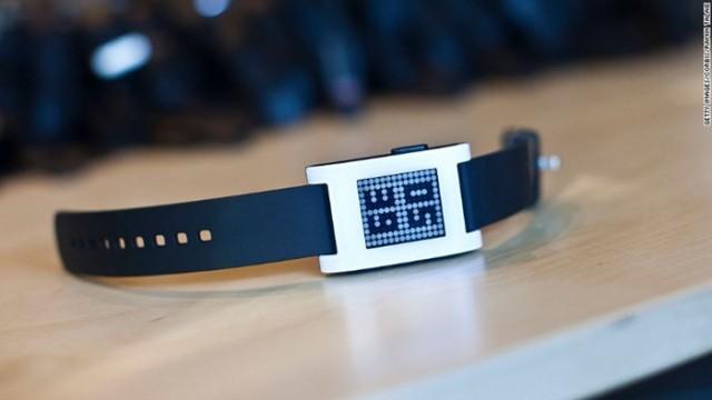 161207105013-pebble-smartwatch-780x439