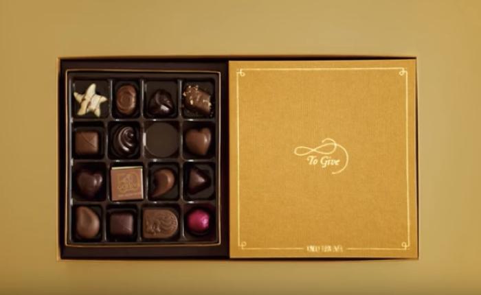 """ช็อคโกแลต """"Godiva"""" ช่างคิด ออกแบบกล่องซ้อนกัน จนส่งต่อความสุขให้คนรับได้ไม่รู้จบ"""