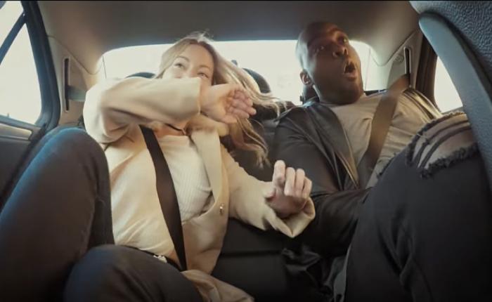 บริษัทประกันรถจากอังกฤษ เชิญนักแข่งรถมาแปลงกายเป็นคนขับแท็กซี่ โชว์การขับสุดบ้าบิ่นจนคุณอยากทำประกันเดี๋ยวนี้เลย!