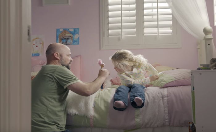 บาร์บี้ชวนคนเป็นพ่อลดความแมนมาเล่นตุ๊กตาบาร์บี้กับลูก เพราะมันคือการลงทุนที่คุ้มค่ากับวันข้างหน้าของพวกเธอ