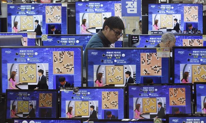 """เซียนโกะ Ke Jie ประกาศกร้าว """"ผมยังมีไพ่ตายปราบ AlphaGo อยู่"""""""