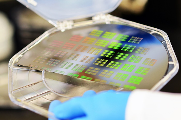 medical-labs-on-a-chip-will-serve-as-health-detectives-for-tracing-disease-at-the-nanoscale_2_31291511153_o
