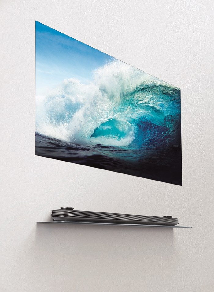 LG SIGNATURE OLED TV W with screen image