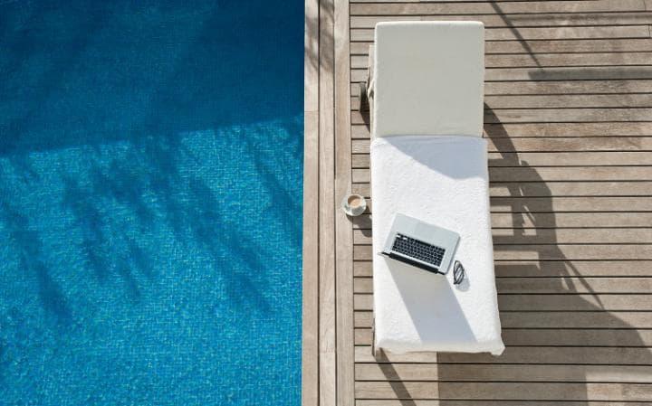 pool-sunbed-laptop-large