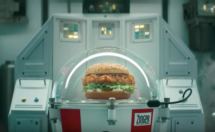 KFC คิดการใหญ่ เปิดตัวลุงเคนเวอร์ชั่นหนุ่มแน่น พร้อมพา Zinger Burger ไปยังอวกาศ