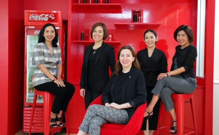 """""""ทำงานกับทีมที่ใช่ ยังไงก็ชนะ!"""" เปิดใจ 5 ผู้บริหารหญิงแกร่ง เบื้องหลังความสำเร็จแห่ง """"COCA-COLA"""""""