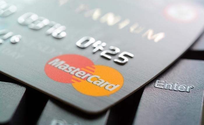 สุดยอด!!! เมื่อ MasterCard เปิดตัวบัตรใหม่พร้อมระบบยืนยันตัวตนในบัตร
