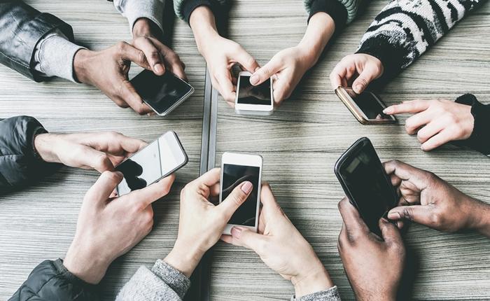 สำรวจสัดส่วนการใช้สมาร์ทโฟนระบบ iOS และ Android จากผู้ใช้ทั่วโลก