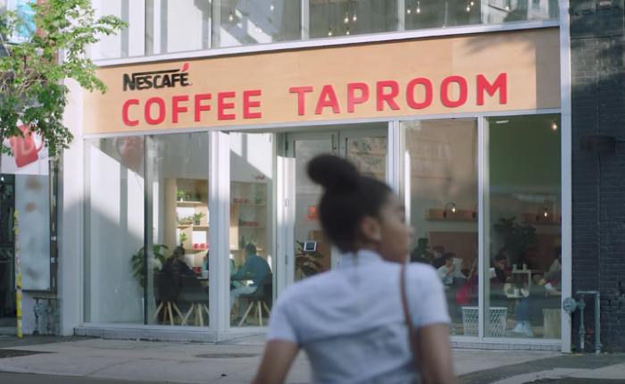เนสกาแฟกิ๊บเก๋ เปิดร้านกาแฟให้ลูกค้ามาชงเองฟรี แค่มีซองแทนรหัสผ่านเปิดประตูร้าน