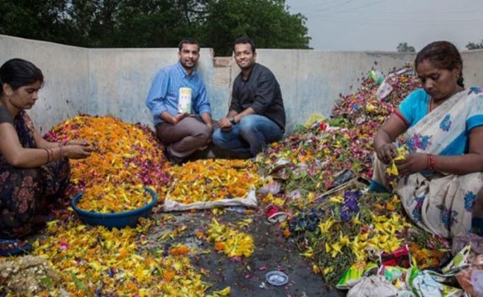ไอเดียเจ๋ง! แบรนด์อินเดียคืนชีพดอกไม้เหลือทิ้งจากพิธีกรรม เป็นสินค้าใหม่แกะกล่อง