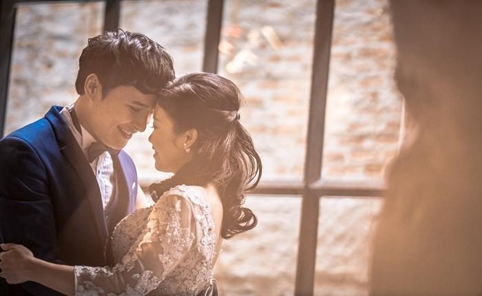 เฉลยแล้วตำนาน 'รักต่างวัย' 5 วัน 5 ล้านวิว ที่แท้ GMM Bravo เล่นใหญ่ โปรโมทซีรี่ส์ Bangkok รัก Stories ตอน Please Bangkok รัก Stories #รักคนที่ไม่ควรรัก