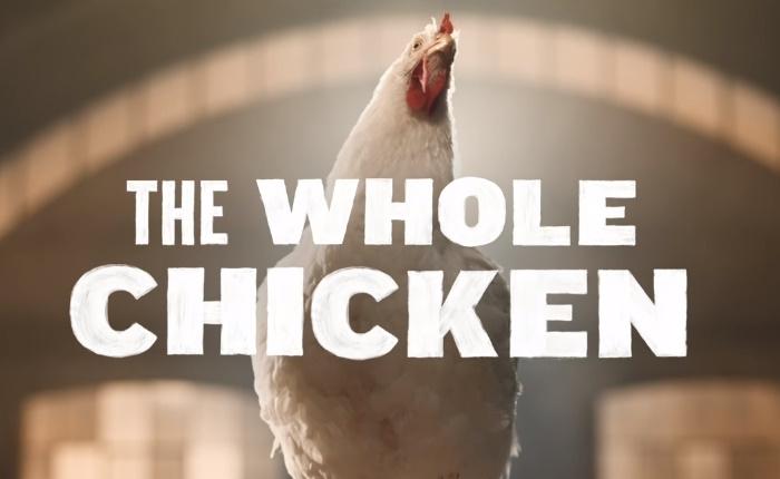 """ดราม่าเบา ๆ เสียงของชาวเน็ตแตกเป็น 2 ฝั่ง เมื่อโฆษณาใหม่ KFC ทำให้ไก่ดูมีเสน่ห์เกินกว่าจะ """"กิน"""" ได้ลง"""