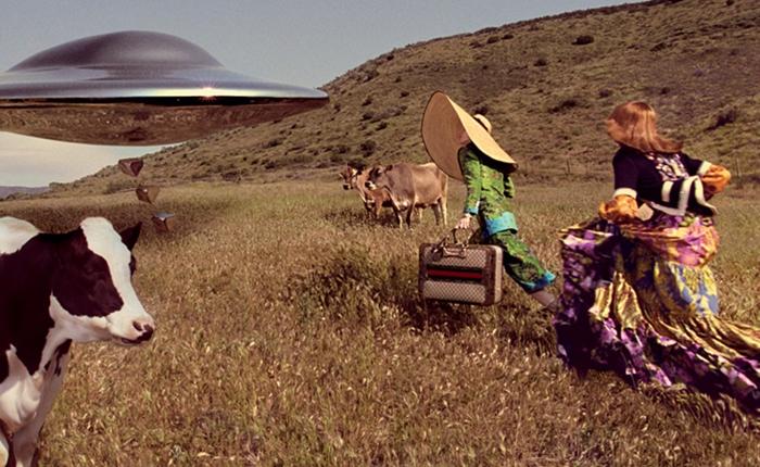 ปังเวอร์!! โฆษณาใหม่ Gucci พาเราหลุดโลกไปนอกอวกาศ ในสไตล์หนังไซไฟย้อนยุค