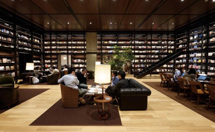 แวะไปเที่ยว Uniqlo City ชมออฟฟิศเท่สไตล์ minimalist ของแบรนด์ Fast Fashion จากญี่ปุ่น