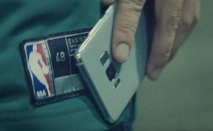 Nike ล้ำสมัย ใช้ป้ายยี่ห้อฝังชิป NFC เป็นแหล่งส่งข่าววงการบาสให้ลูกค้าถึงจอมือถือ