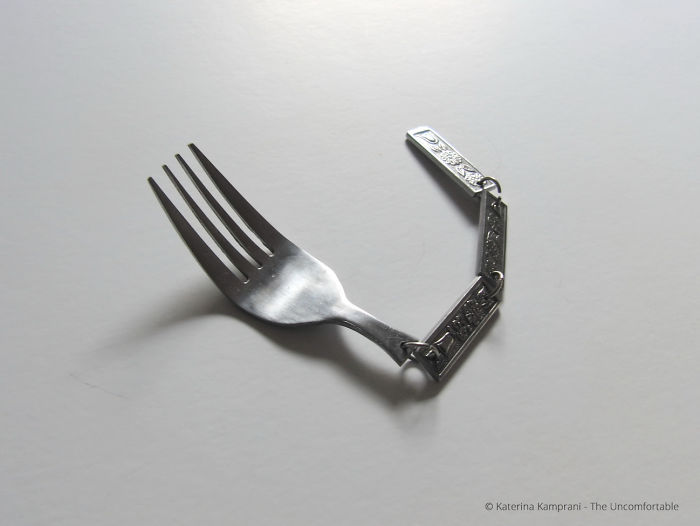 25-Common-Household-Items-Re-Designed-Into-Brilliantly-Dysfunctional-Annoying-Objects-59cb49df5bf8f__700