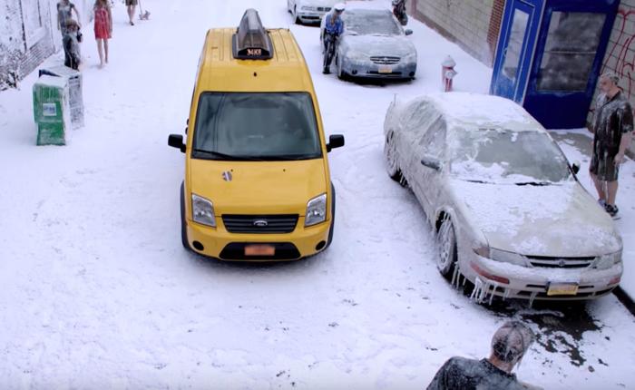 ค่ายหนังจัดฉากหิมะตกทั้งเมืองแกล้งผู้โดยสารแท็กซี่ให้ตะลึงที่แท้เป็นการโปรโมทหนัง GeoStorm