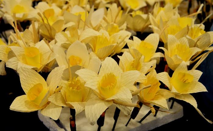 เปิดความหมายลึกซึ้งที่ซ่อนอยู่ใน 'ดอกไม้จันทน์พระราชทาน' คัดสรรมา เพื่อรำลึกถึง ร.๙