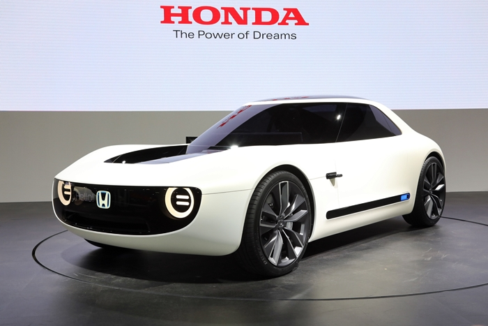 Honda-Sports-EV-concept-front-three-quarter-02