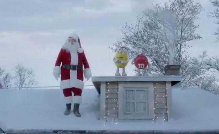 โฆษณาน่ารักจากสองหนุ่ม M&M ที่ทำความป่วนให้กับลุงซานต้า แต่ผลสุดท้ายกลับดีผิดคาด!