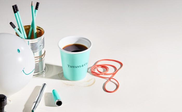 ไม่ได้อำกันใช่มั้ย? เมื่อแบรนด์ Tiffany & Co. เปิดตัวโปรดักส์ใหม่ ดีไซน์คุ้นตา ราคาชวนตะลึง!