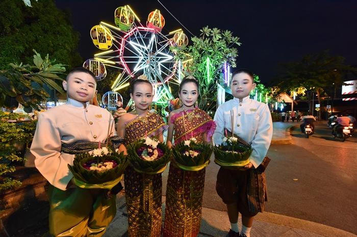 Loy Krathong festival2