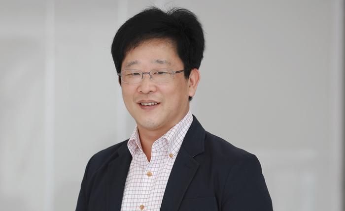 Mr.Jeon Hong Cheol (1)-700