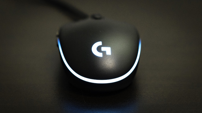 logitech-g-pro-gaming-mouse-review-4