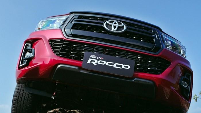 Toyota_REVO_9