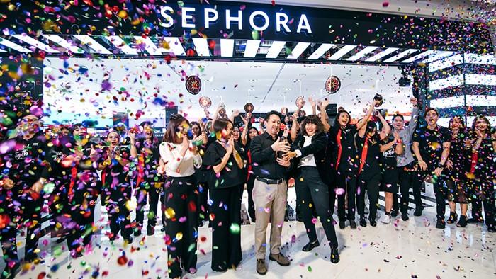 #เสกสวยไม่สิ้นสุด แคมเปญปลุกกระแส เรียกลูกค้าที่สาขาใหม่ Sephora Zpell รังสิต ต่อแถวครบ 300 คิวตั้งแต่ก่อนห้างเปิด!