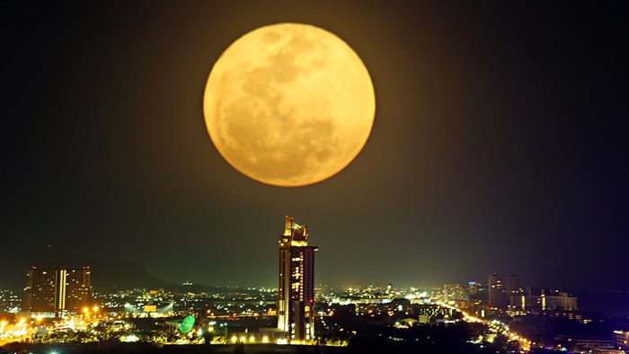 Super Full Moon by Vana Nava Sky Team_1