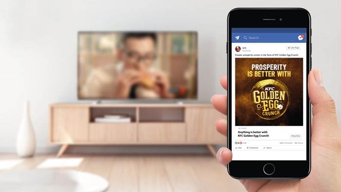 กระตุ้นความอยาก KFC มาเลเซีย เปิดตัวโฆษณาชุดใหม่ ยิงตรงถือจอมือถือทันทีหลังทางทีวีเล่นจบ