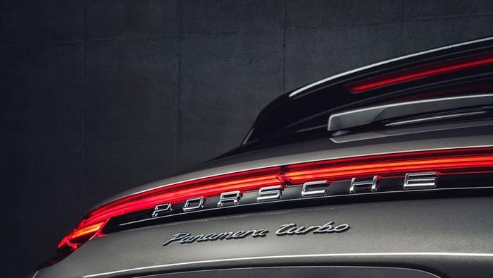Porsche-03
