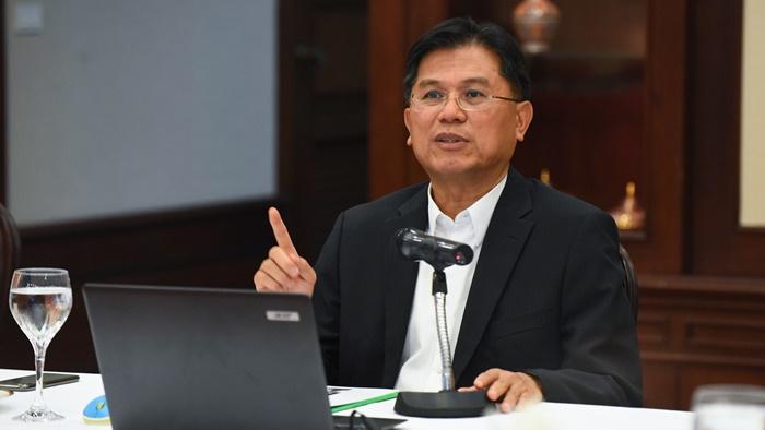 """ในวันที่ Bank ต้อง """"ลุก"""" ขึ้น """"รุก"""" เศรษฐกิจและธุรกิจธนาคารไทยต้องเดินเกมอย่างไร"""