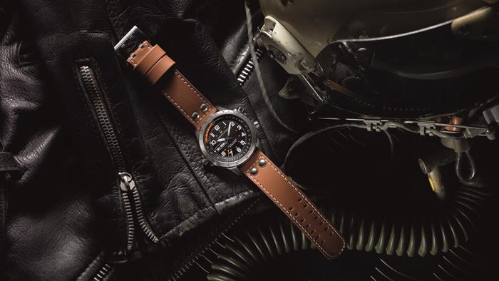 100 ปีแห่งความเที่ยงตรง Hamilton แบรนด์นาฬิกาของนักบิน ผู้จับเวลาแห่งห้วงเวหา