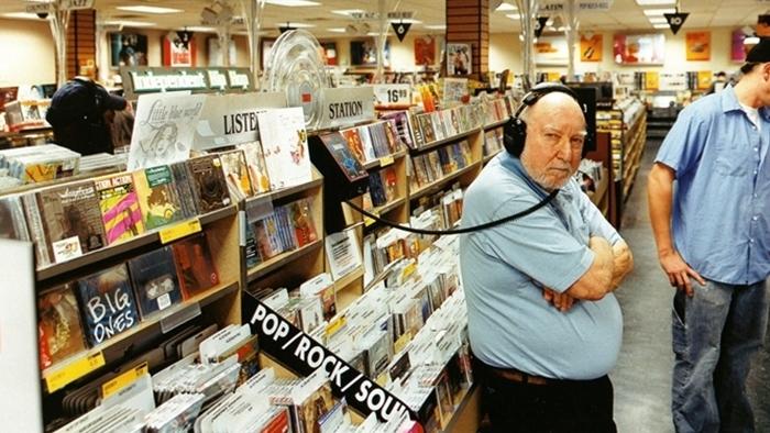"""""""ไม่มีดนตรี ไม่มีชีวิต ดนตรีเปี่ยมความหมายต่อชีวิตหนุ่มสาว และเราคือวิธีเข้าถึงมัน"""" ปิดตำนาน Russell Solomon สัญลักษณ์วัฒนธรรมดนตรีที่ชื่อ Tower Records"""