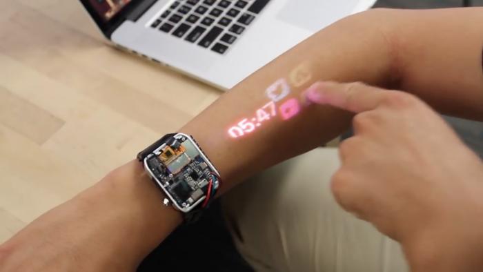"""เมื่อเทคโนโลยีไปไกลกว่าที่คิด! LumiWatch ของเล่นไฮเทคเปลี่ยน """"แขน"""" เป็น """"สมาร์ทวอทช์"""""""