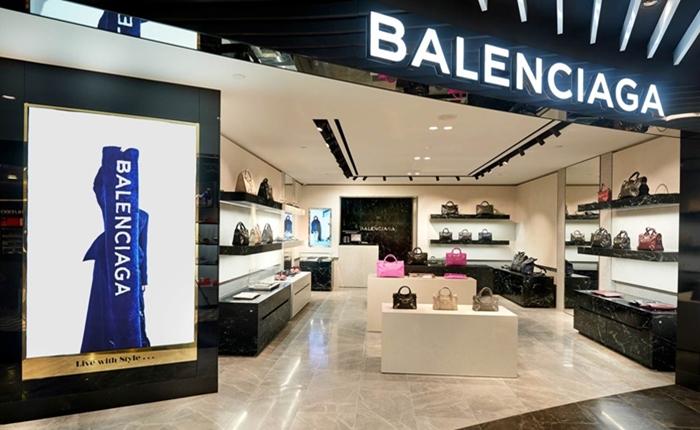 Balenciagaอาจต้องเรียนรู้แก้วิกฤตแบรนด์จาก Starbucksพิษข่าวฉาวไล่คนจีนที่ปารีส